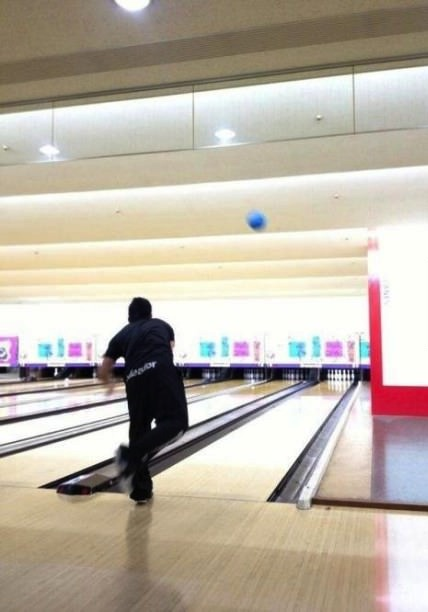 bowling throw